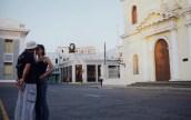 Momento romántico en Cienfuegos.