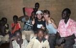 Yako con la family de Sinon.