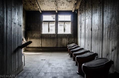 Los baños del barracón.