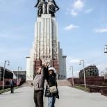 Monumento al Obrero y Mujer de Kolkhoz.
