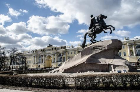 El Caballero de Bronce (estatua ecuestre dedicada a Pedro el Grande).