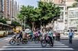 Paso de peatones debicis de tuc-tucs y de motos