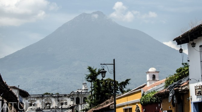 SURFEANDO GUATEMALA